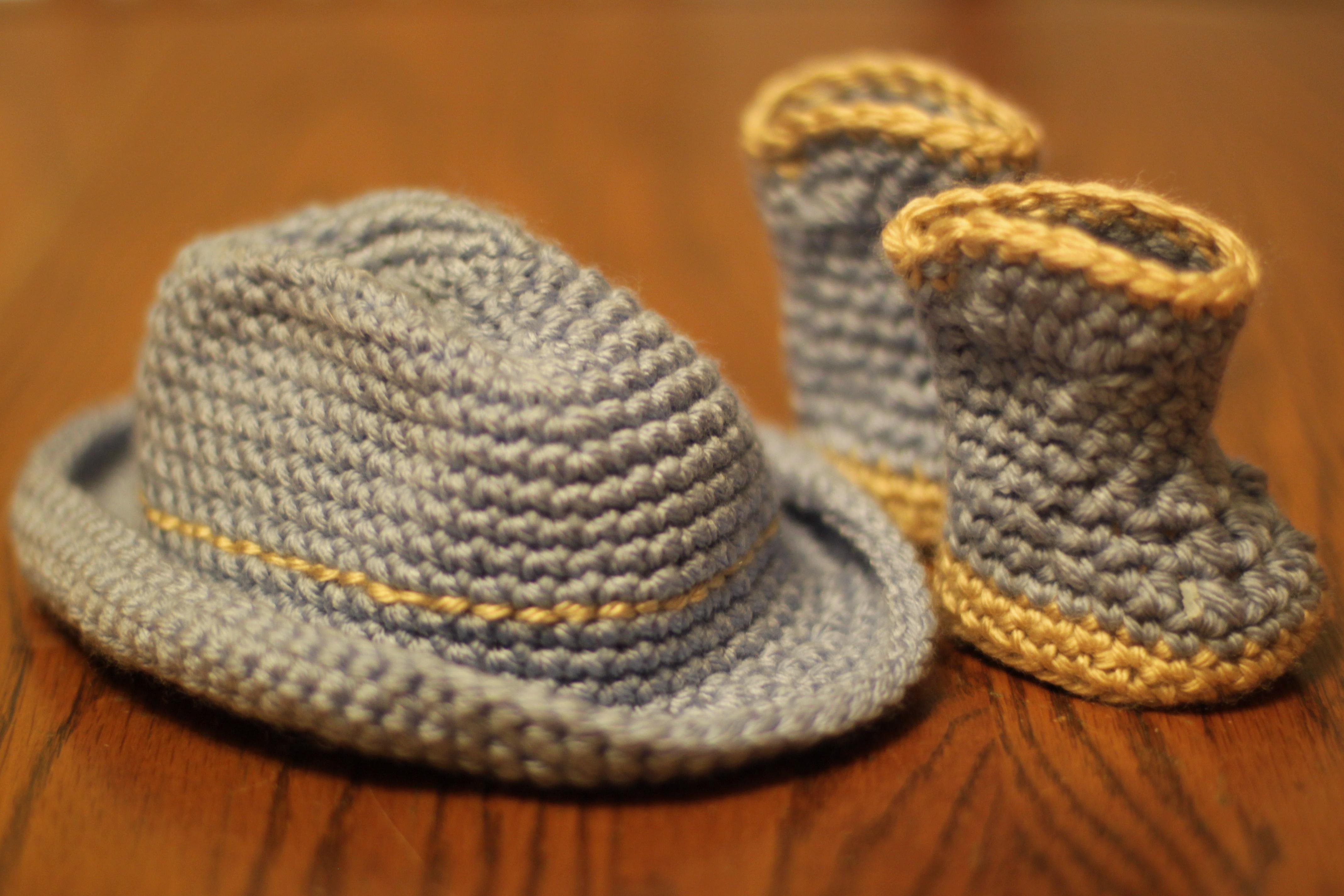 Crochet Hats for American Girl Dolls & Their Girls | bonnyknits